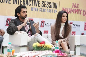 Interactive Session with Starcast of Film